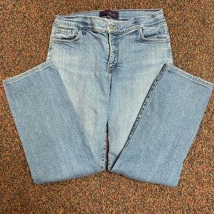 NYDJ Size 10p Straight Leg Jeans Light Wash